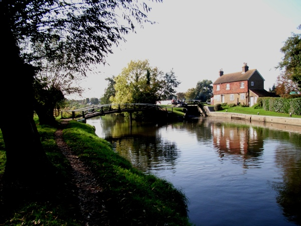 Stoke Lock - the earliest Lock in Surrey - built in 1653